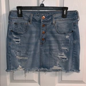 American Eagle ripped jean skirt!